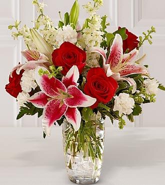 Cam Vazodaki Şık Çiçekler